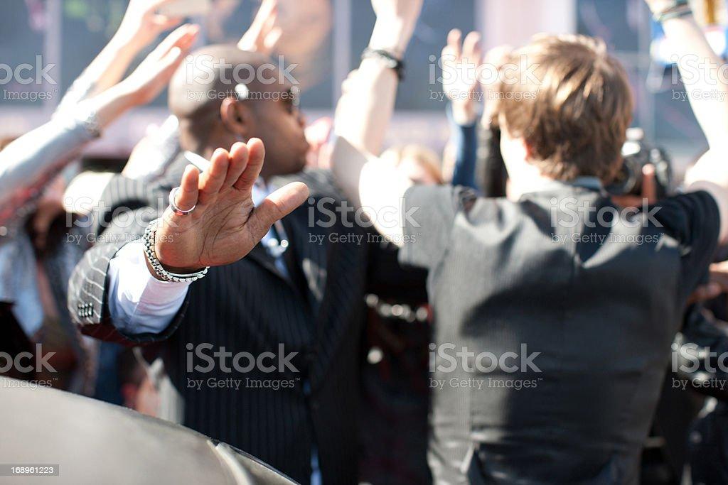 Celebrity limo hacia provenientes de paparazzi - foto de stock