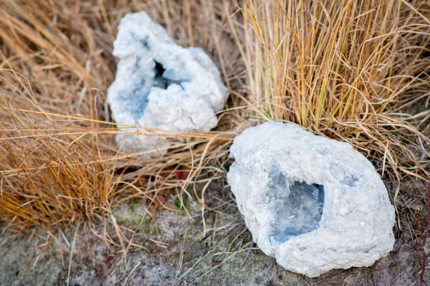 2 Coelestin Geode Kristalle – Foto