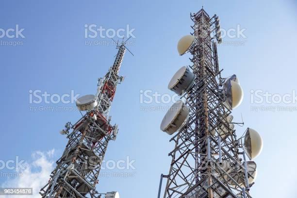 Cep Telefonu Anten Veya Gsm Ve Umts Cep Telefonu Iletişimleri Için Kullanılan Anten Kulesi Stok Fotoğraflar & Anten - Hayvan Vücudu Bölümleri'nin Daha Fazla Resimleri