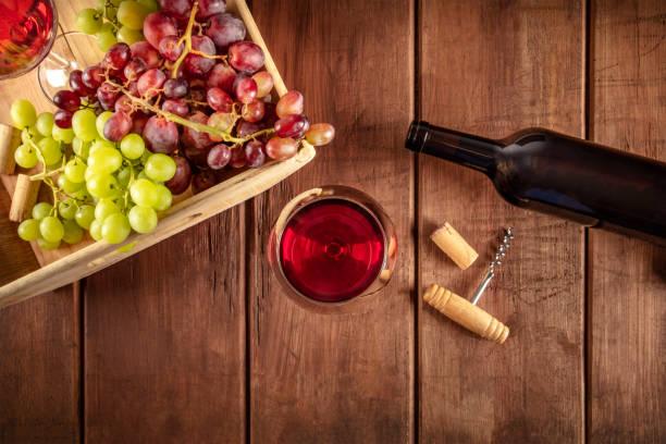 Cellar tasting a photo of wine glasses with a bottle red and green a picture id1061697176?b=1&k=6&m=1061697176&s=612x612&w=0&h=z7ixj2juvrmqeybnwmvnpnmkotq3600ptz7m3frp9f0=