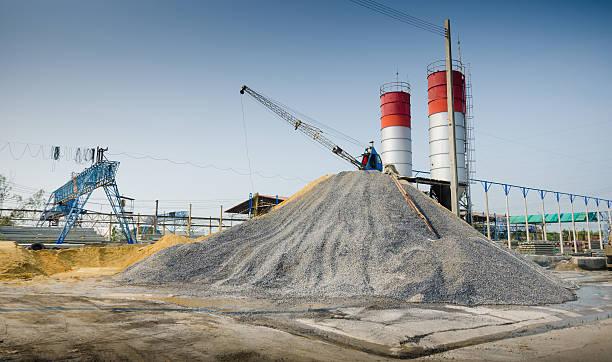 zementfabrik - betonwerkstein stock-fotos und bilder