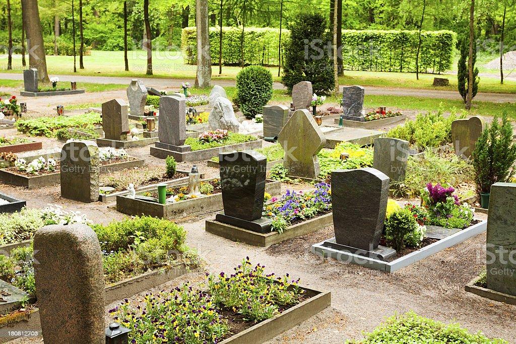 Friedhof in Wald – Foto