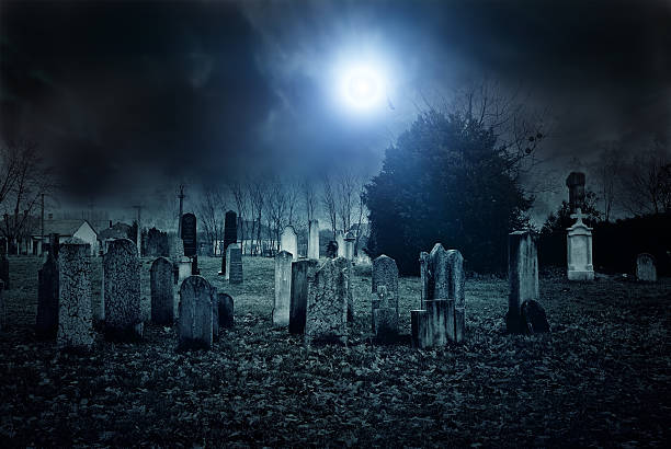 cemetery night - kerkhof stockfoto's en -beelden