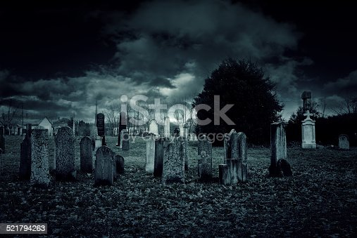 istock Cemetery night 521794263
