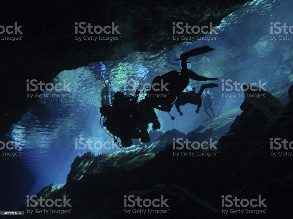 セノーテ(洞窟 - スキューバダイビングのロイヤリティフリーストックフォト