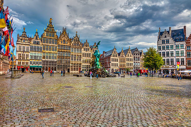 Cental square Antwerp - Photo