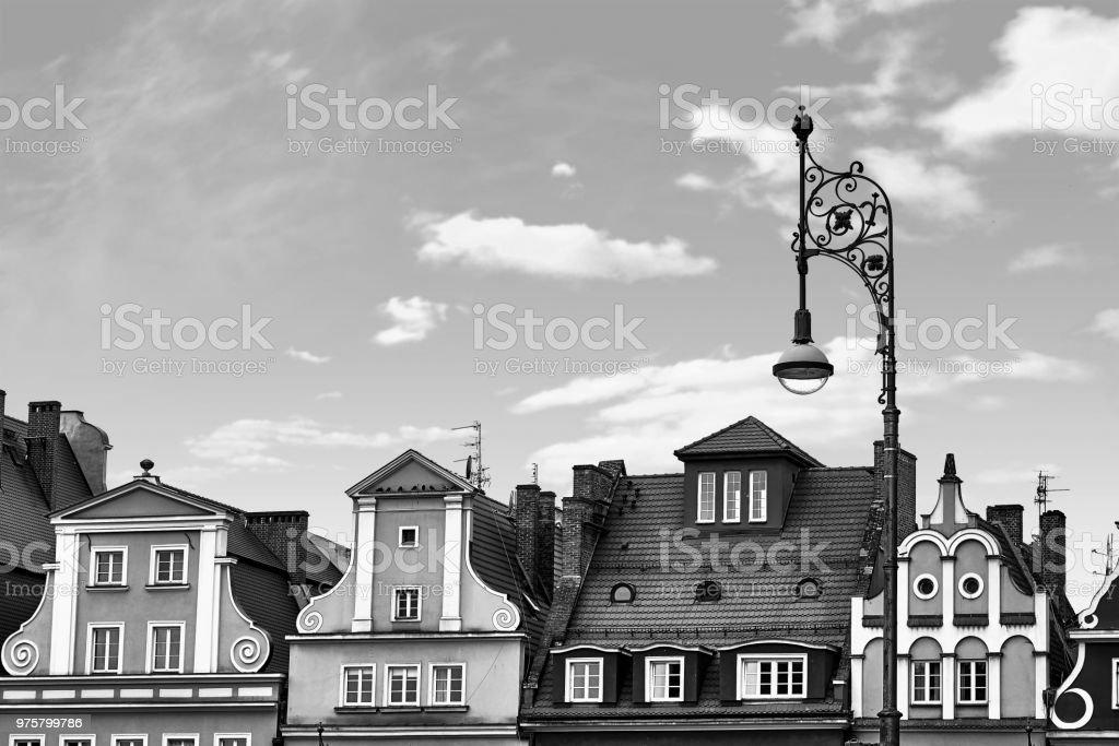 Zentralen Marktplatz in Breslau Polen mit alten Häusern und Straßen Laterne Lampe. Reisen-Urlaub-Konzept. Schwarz / weiß - Lizenzfrei Abenddämmerung Stock-Foto