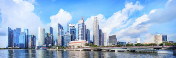 zentralen Skyline von Singapur. Finanzielle Türme und Esplanade Brücke fahren – Foto