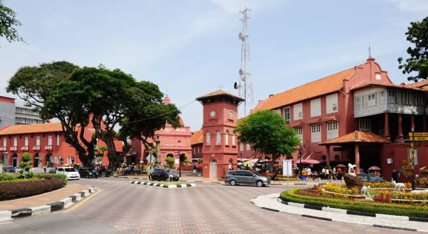 centrale plein en christ church in melaka. maleisië - malakka staat stockfoto's en -beelden