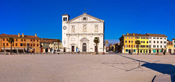 Central square in Palmanova panoramic view, Friuli-Venezia Giulia region of Italy Central square in Palmanova panoramic view, Friuli-Venezia Giulia region of Italy piazza grande stock pictures, royalty-free photos & images