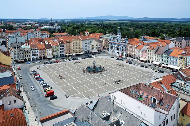 central square von ceske budejovice (budweis), tschechische republik - simson teile stock-fotos und bilder