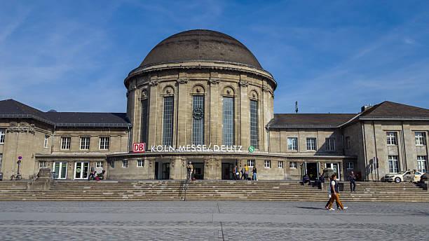 central station building cologne messe deutz - ausstellungen köln stock-fotos und bilder