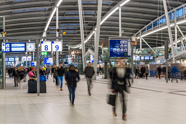 NS Central Station Utrecht, Walking People​​​ foto