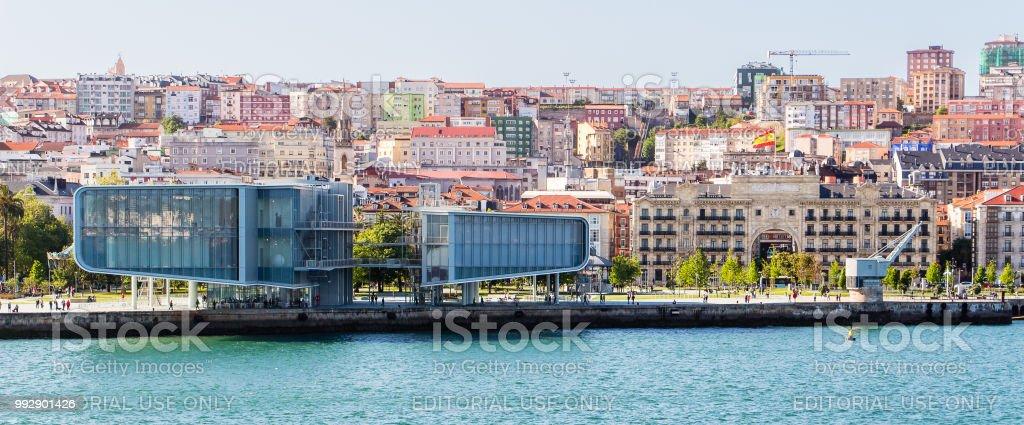 Museo del Centro botín en el puerto de Santander, España - foto de stock