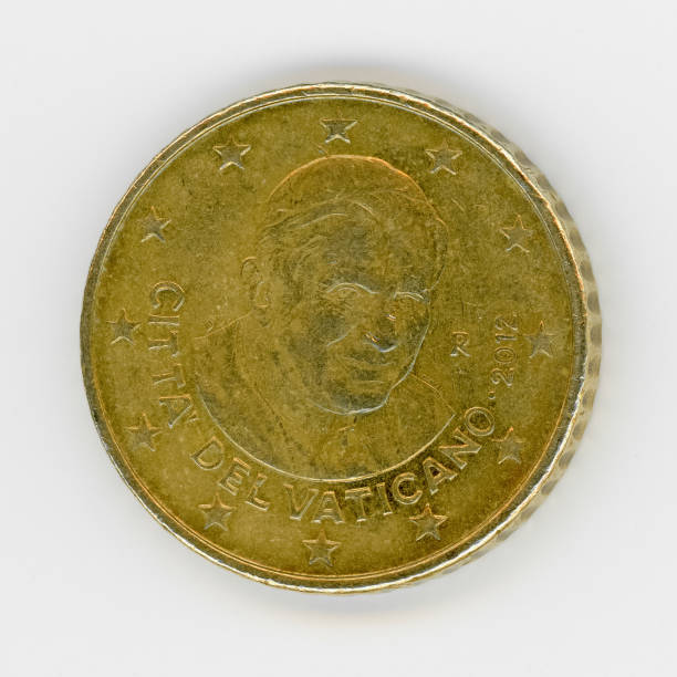 50 cent-münze mit papst benedict xvi, vatican stadt, europa - papst benedikt xvi stock-fotos und bilder