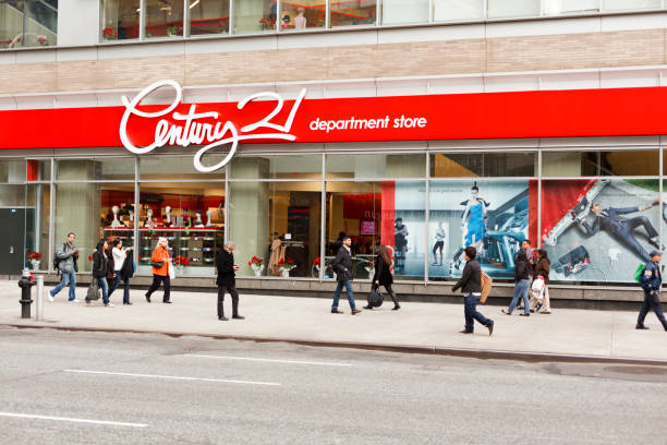 century 21 department store broadway new york city - number 21 stock photos and pictures