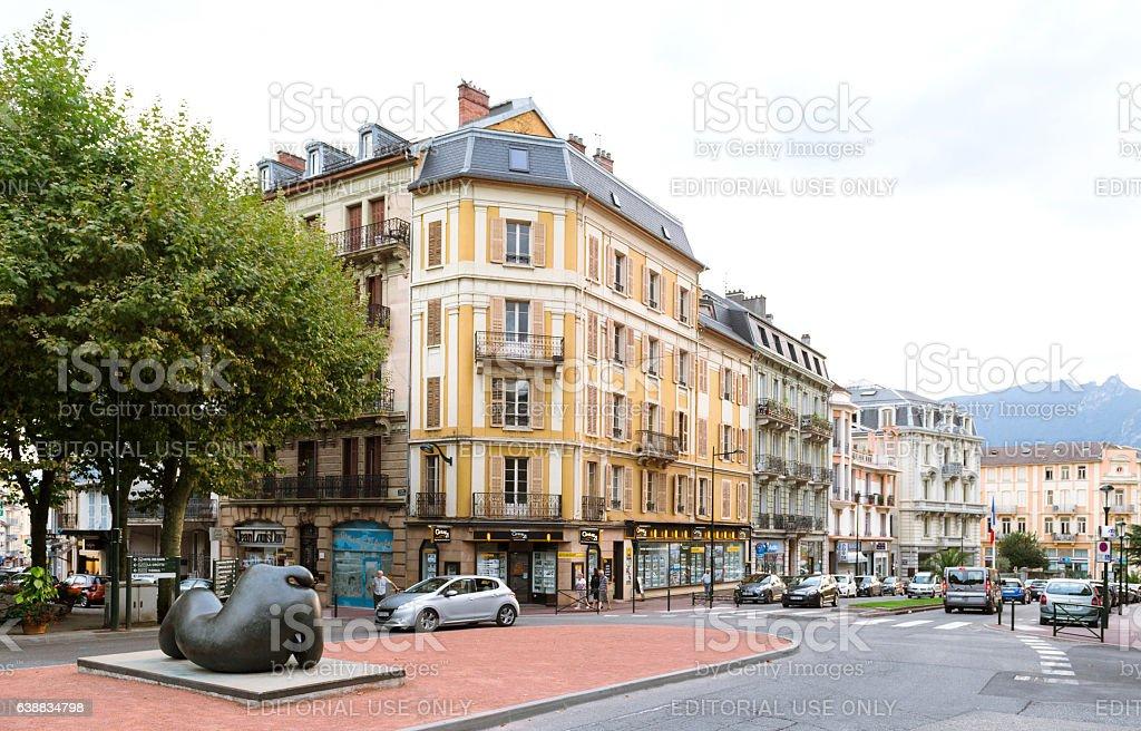 Century 21 office in Place du Revard central square Aix0LEs-Bains - Photo