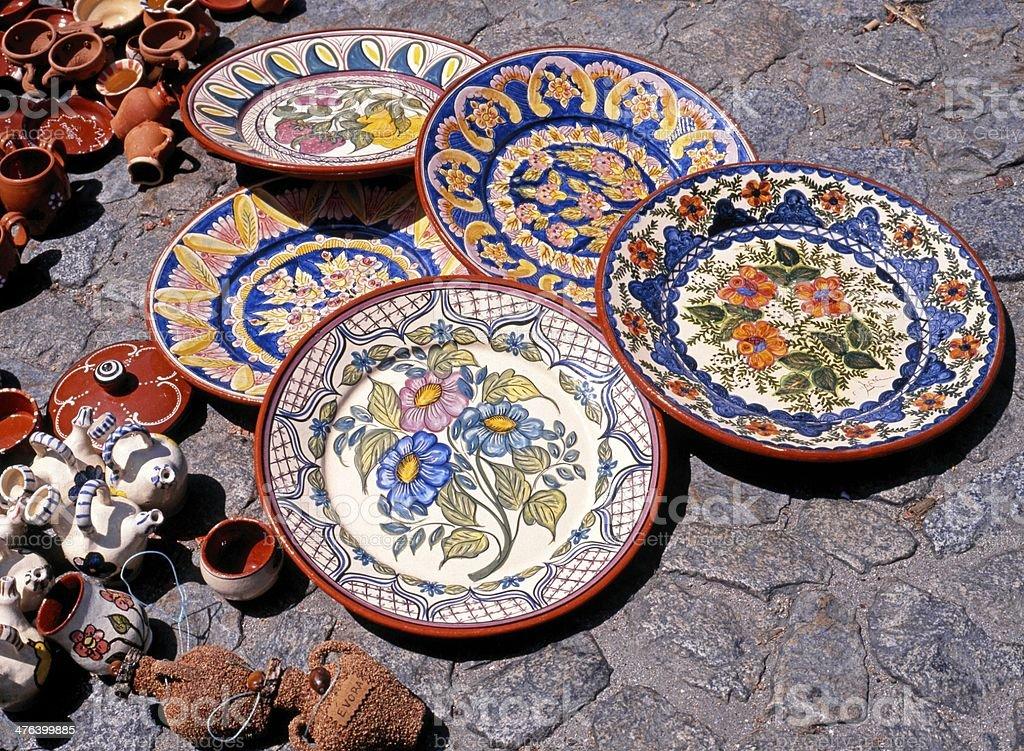 Keramik Geschirr auf Etage, Evora, Portugal. – Foto