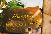 Hungry, here you will eat letters on ceramic pot