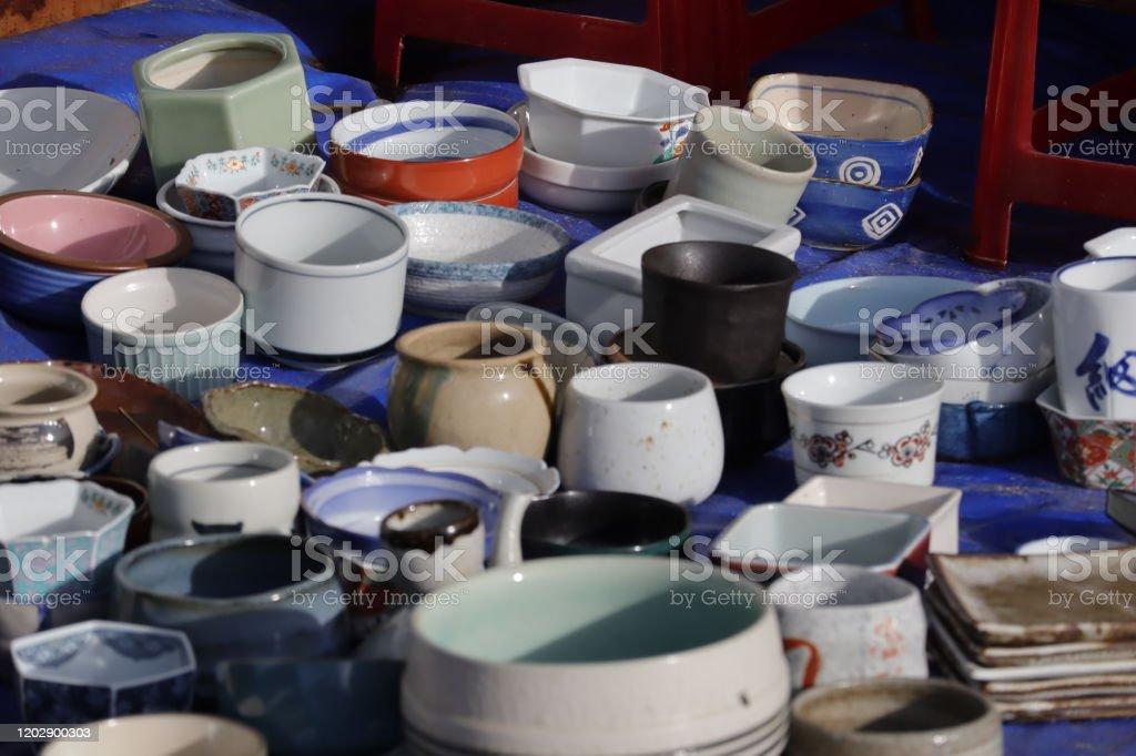 Keramikverkauf auf dem vietnamesischen Markt - Lizenzfrei Arbeiten Stock-Foto