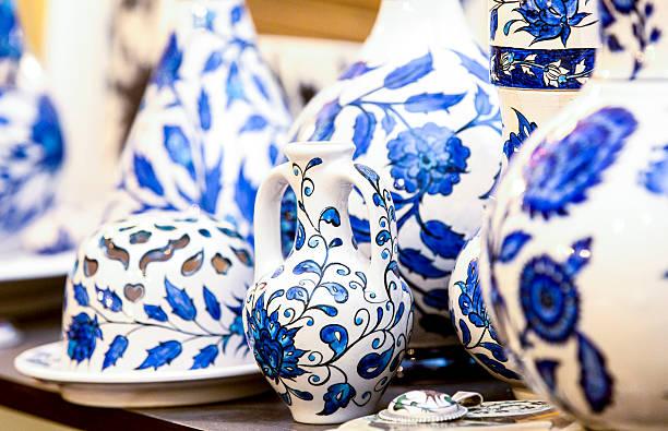 ceramic vase- ceramics plate - türkische fliesen stock-fotos und bilder