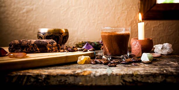 cérémonie cacao brut boissons (au chocolat) - cérémonie photos et images de collection
