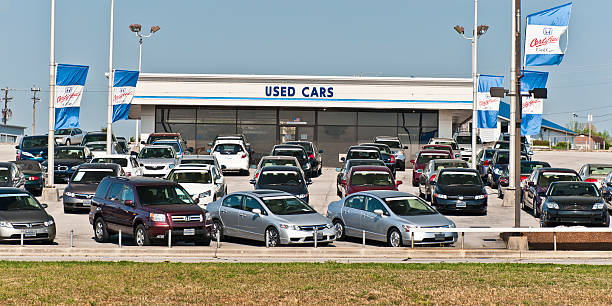 certified honda used cars are very popular - used car selling stock pictures, royalty-free photos & images