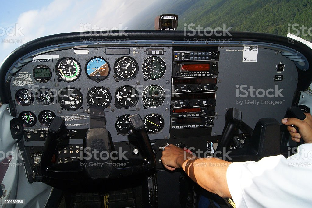 Cessna 172 Steep turn - Cockpit view. stock photo