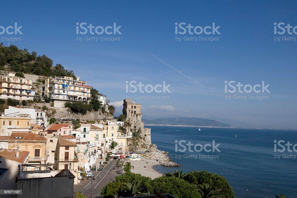 Cetara (petite ville à la côte amalfitaine, Italie photo libre de droits