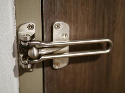 Chain Lock on White Doo
