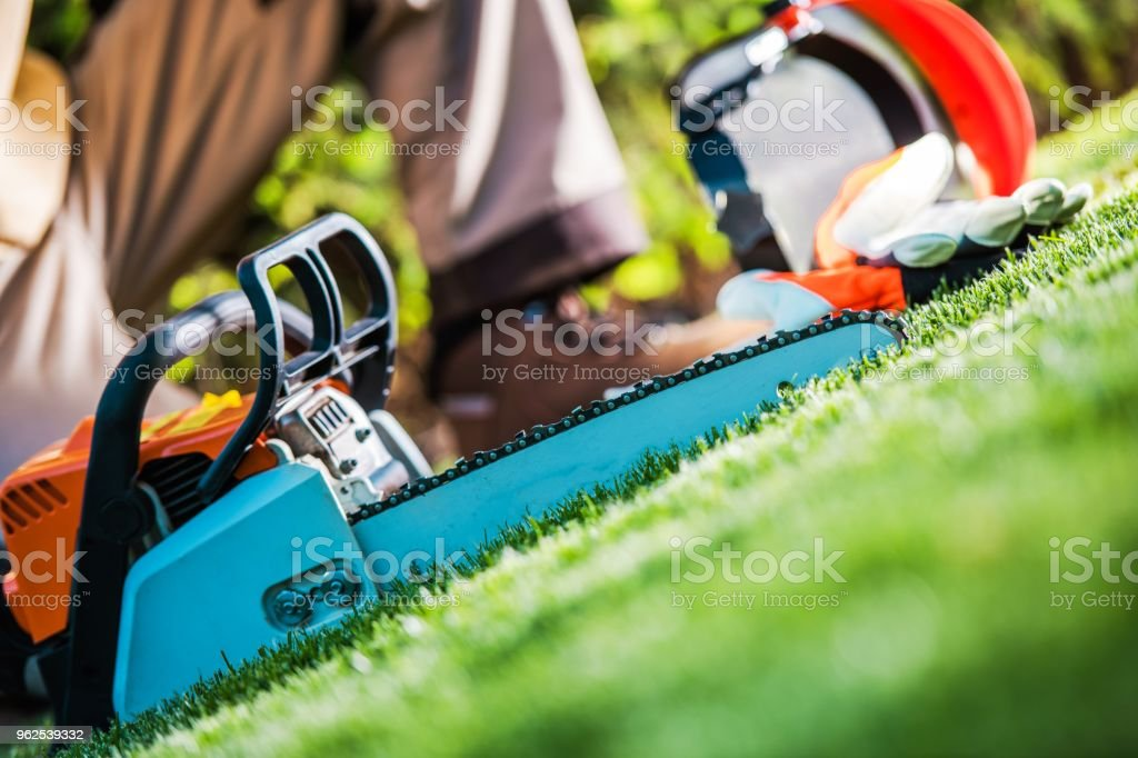 Chain Saw Work - Royalty-free Chainsaw Stock Photo