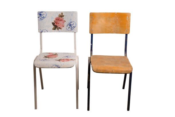 stuhl mit decoupage-technik und einem alten schäbigen stuhl dekoriert. - decoupage kunst stock-fotos und bilder