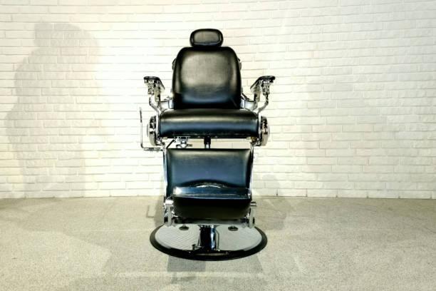 美容院用の椅子、美容院用アクセサリー。 - 美容室 ストックフォトと画像