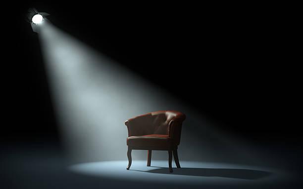 krzesło na scenie - krzesło zdjęcia i obrazy z banku zdjęć