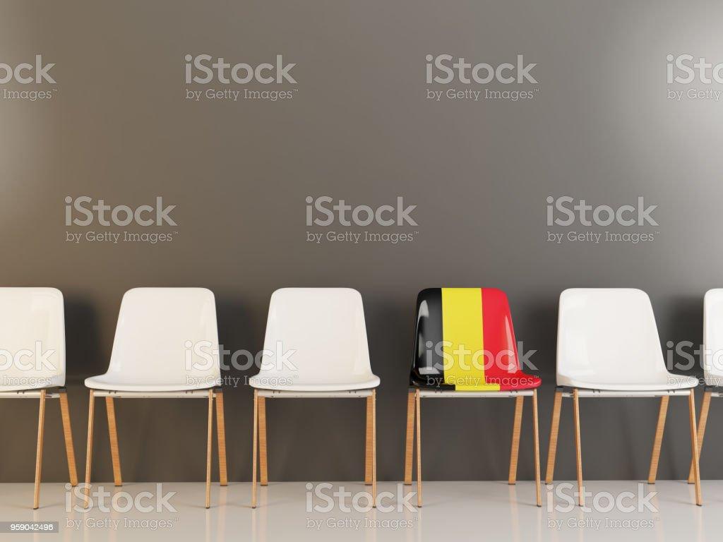 Silla con la bandera de Bélgica - foto de stock