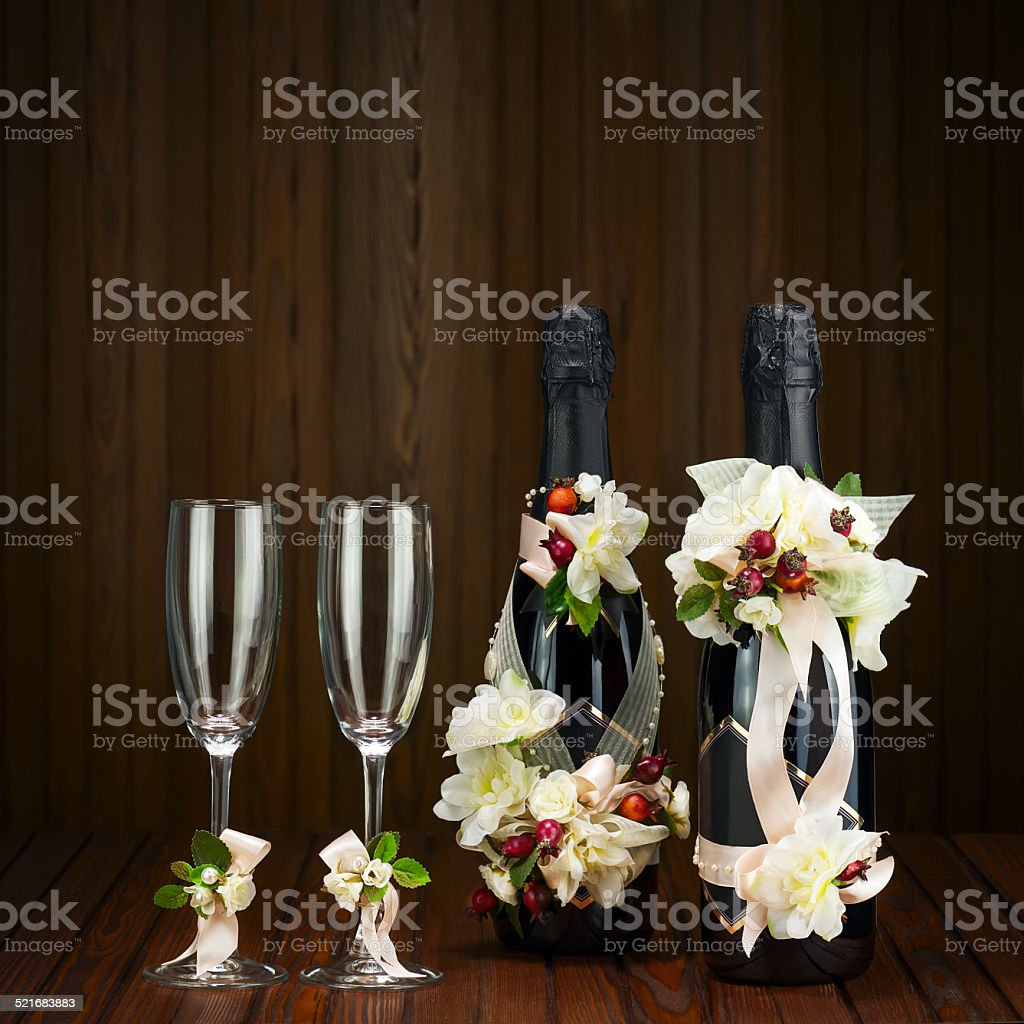 Glas Champagner Mit Hochzeit Dekoration Und Blumen Ar Stockfoto