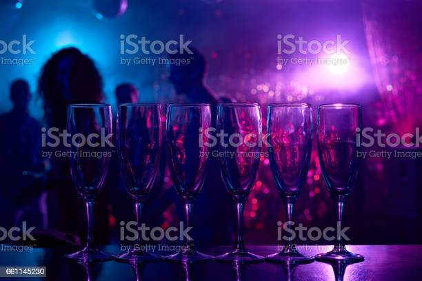 Champagne flutes on bar counter picture id661145230?b=1&k=6&m=661145230&s=612x612&h=asu5wadlezqemrlje r5tq8 tizorlesgerhh7ootj8=