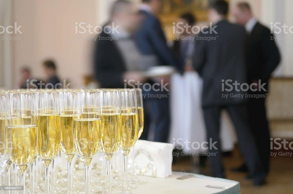 Champagner für Teilnehmer von Meetings. – Foto