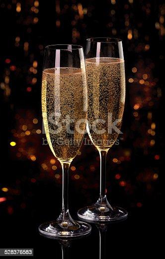 istock Champagne 528376583