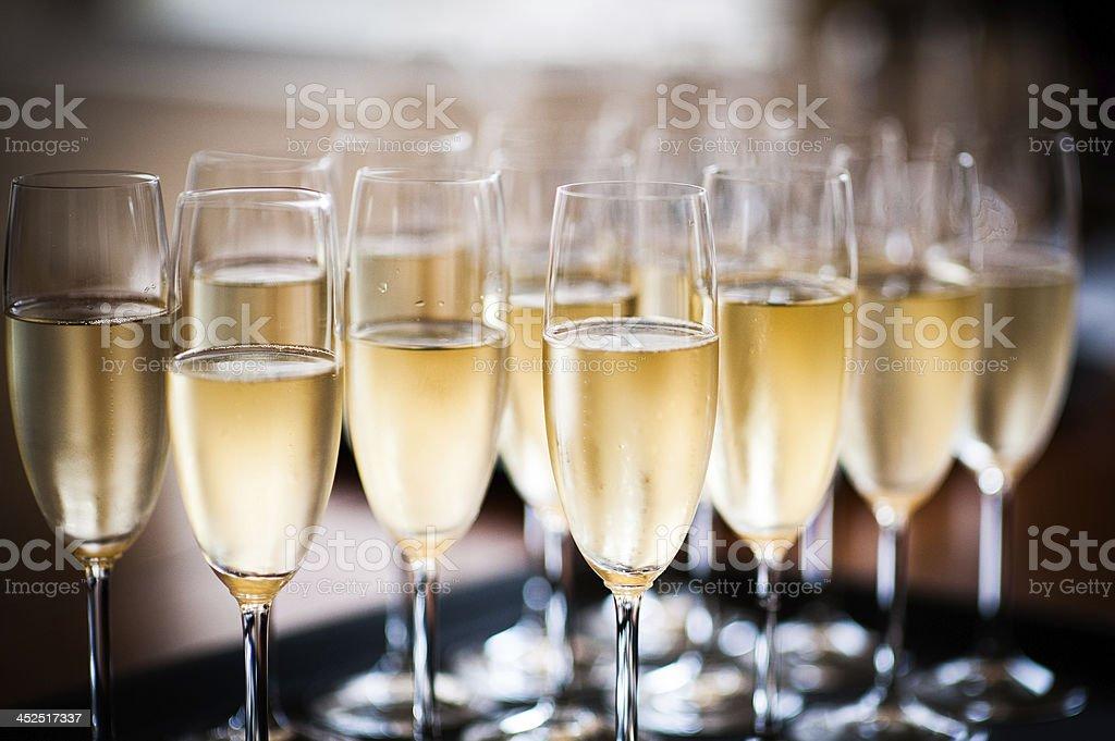 Маленький столик за углом - Том VII - Страница 41 Champagne-tray-picture-id452517337