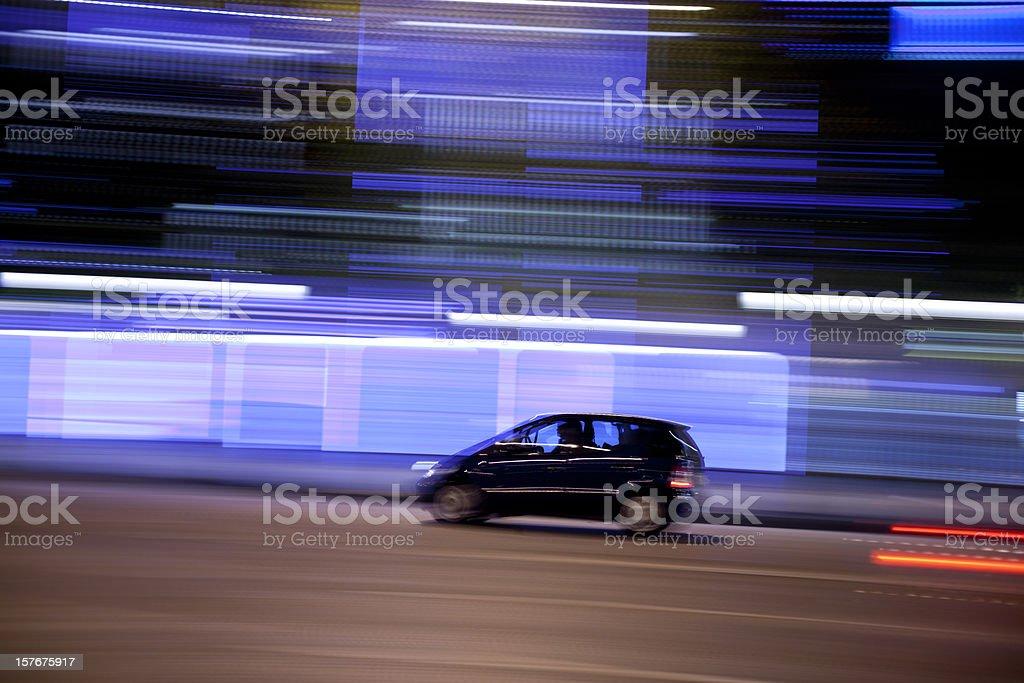 Champs-Élysées-Verkehr mit schwenkende Film bei Nacht, Paris, Frankreich – Foto