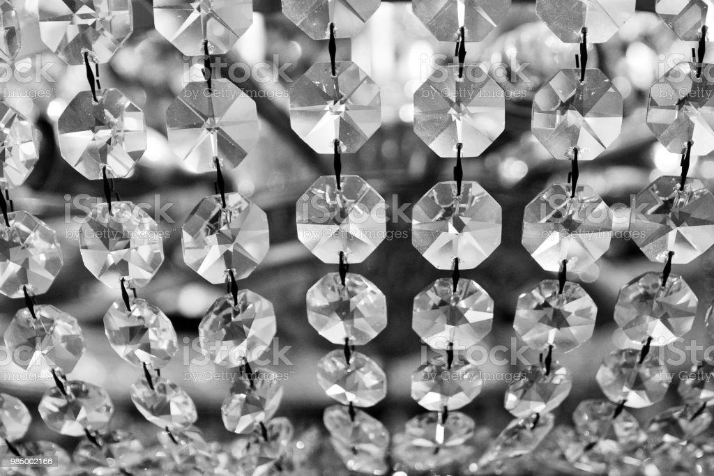 Lampadario Bianco E Cristallo : Cristalli di lampadario bianco e nero stock photo more pictures