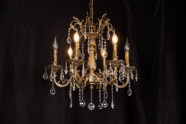 chandelier, luxury retro style on dark background. - kroonluchter stockfoto's en -beelden