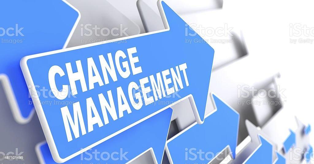 Change Management auf blauer Pfeil. – Foto