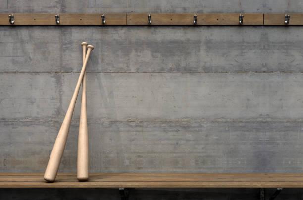 umkleidekabine & baseball-schläger - bankhaken stock-fotos und bilder