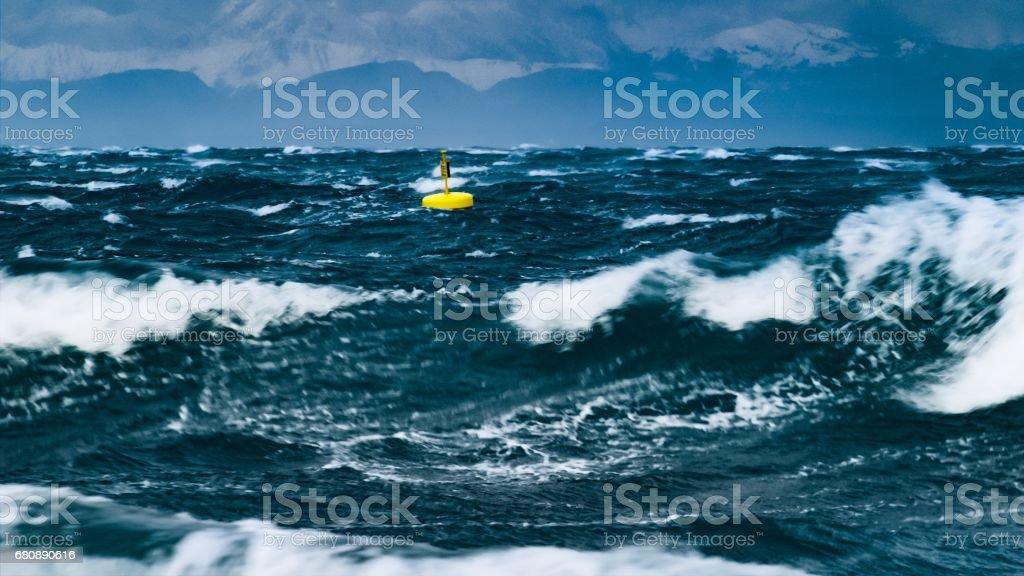 Channel marker in sea - foto stock