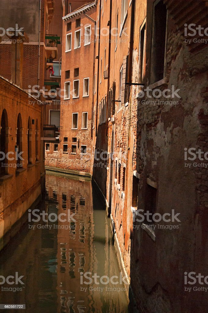 Channel with brick build in Venice стоковое фото