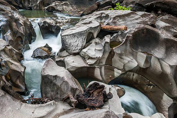 Chapada dos Veadeiros, Goias, Brazil Vale da Lua (Moon Valley) in Chapada dos Veadeiros National Park in Goias, Brazil goias stock pictures, royalty-free photos & images