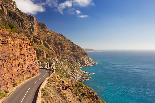 chapman's peak drive near cape town in south africa - république d'afrique du sud photos et images de collection