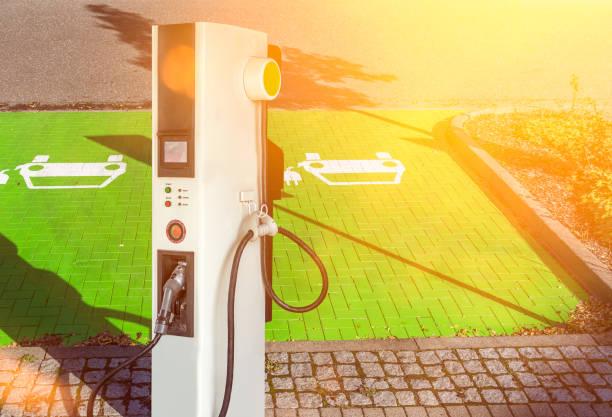 ladestation elektrische tankstelle kraftstoffpumpe - tim siegert stock-fotos und bilder